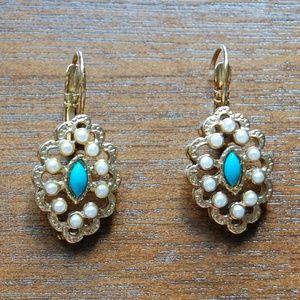 Earrings with pearls and turquoise